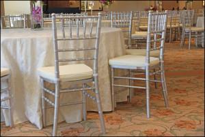 Silver-Chiavari-Chairs-800x533
